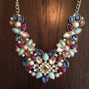 Jewelry - Pretty Rhinestone Statement Bib Necklace